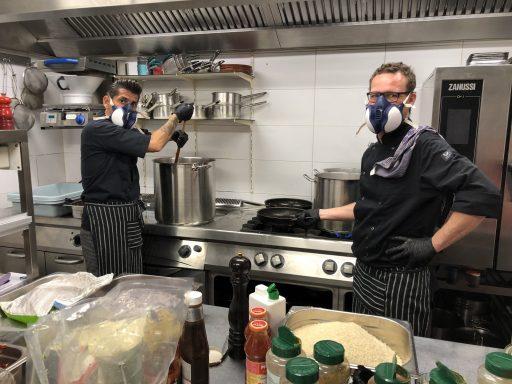 Afbeelding #001 voor het verhaal Mooi: de Kloof en Vera koken voor de Zorg in Middelburg