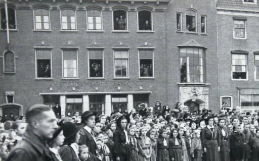 Afbeelding #001 voor het verhaal Mooie Middelburgse Marktherinneringen: op bezoek bij meneer en mevrouw Bos