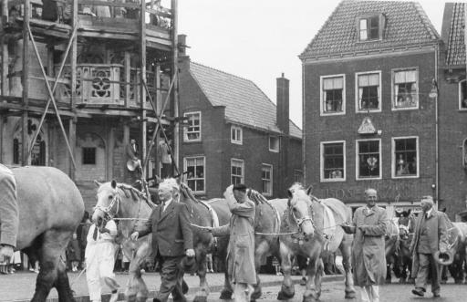 Afbeelding #002 voor het verhaal Mooie Middelburgse Marktherinneringen: op bezoek bij meneer en mevrouw Bos