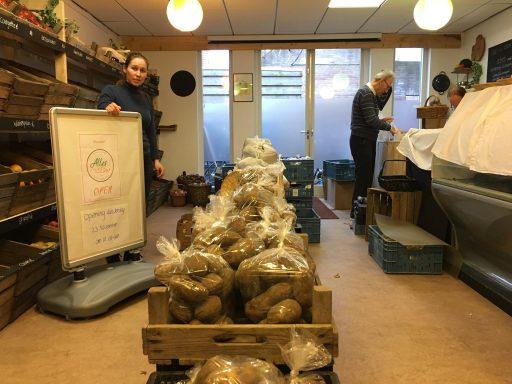Afbeelding #002 voor het verhaal Nieuw in de Langeviele in Middelburg: Alles is Eten