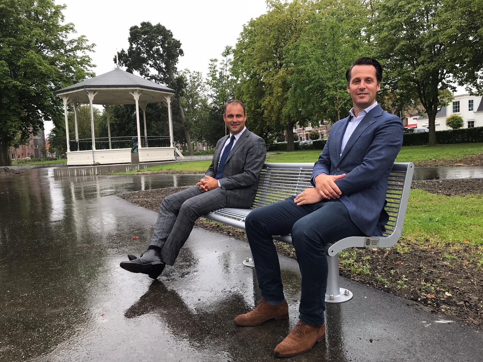Afbeelding #000 voor het verhaal Nieuwe bankjes voor Park Molenwater