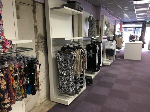 Afbeelding #003 voor het verhaal Nieuwe en oude winkels in de Lange Delft