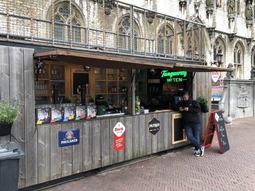 Afbeelding #004 voor het verhaal Onder Malle Betje geopend op de Markt in Middelburg