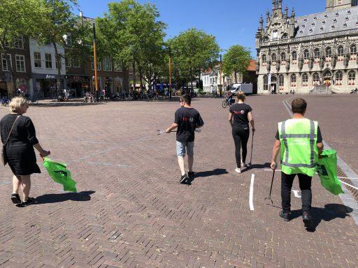 Afbeelding #003 voor het verhaal Ondernemers Middelburg ruimen zwerfafval op
