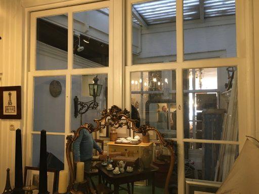 Afbeelding #002 voor het verhaal Op bezoek bij antiekwinkel 't Geveltje in Middelburg