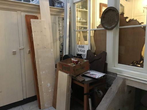 Afbeelding #003 voor het verhaal Op bezoek bij antiekwinkel 't Geveltje in Middelburg