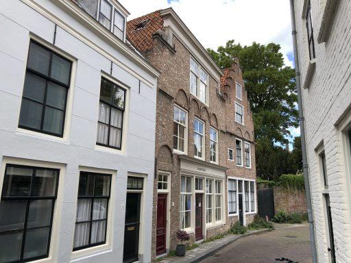 Afbeelding #000 voor het verhaal Op bezoek bij Atelier Muze-musje in de Bellinkstraat in Middelburg