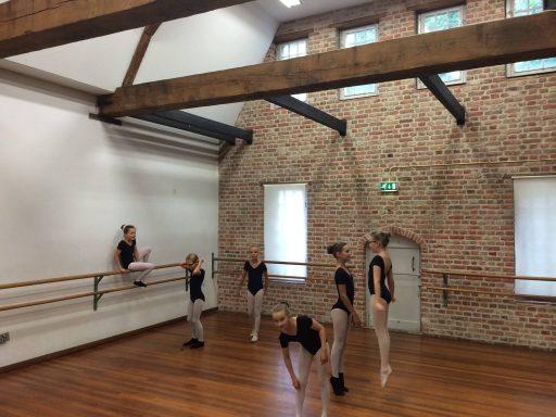 Afbeelding #000 voor het verhaal Op bezoek bij Balletschool Middelburg