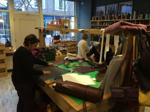 Afbeelding #004 voor het verhaal Op bezoek bij JA tassen in Middelburg