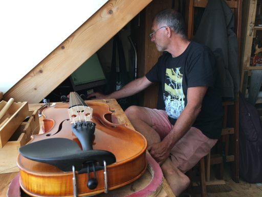 Afbeelding #000 voor het verhaal Op bezoek bij Johannes Jacobs, vioolbouwer