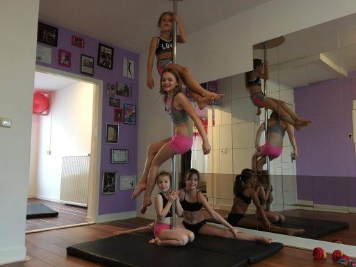 Afbeelding #001 voor het verhaal Op bezoek bij paaldansschool Pole Gym in Middelburg