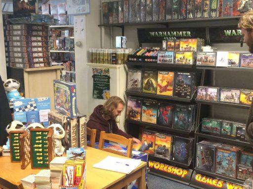 Afbeelding #002 voor het verhaal Op bezoek bij spellenwinkel De Burcht