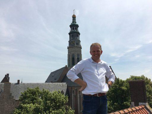 Afbeelding #001 voor het verhaal Op bezoek bij ZAOS in het voormalige hotel De Burg