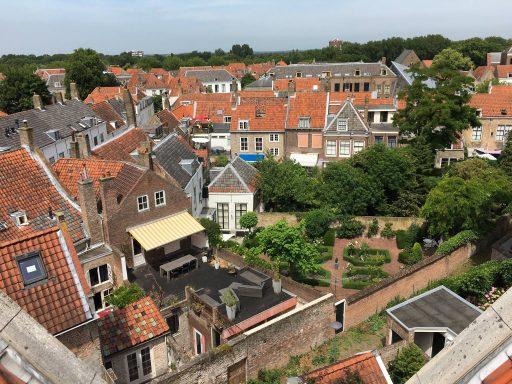 Afbeelding #002 voor het verhaal Op bezoek bij ZAOS in het voormalige hotel De Burg