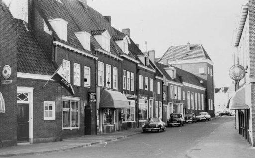Afbeelding #002 voor het verhaal Op bezoek bij…Roos Fournituren in de Zusterstraat