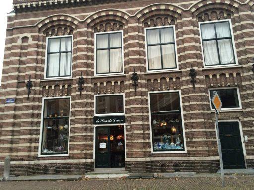 Afbeelding #000 voor het verhaal Over de architect van antiekwinkel De Swarte Leeuw in Middelburg