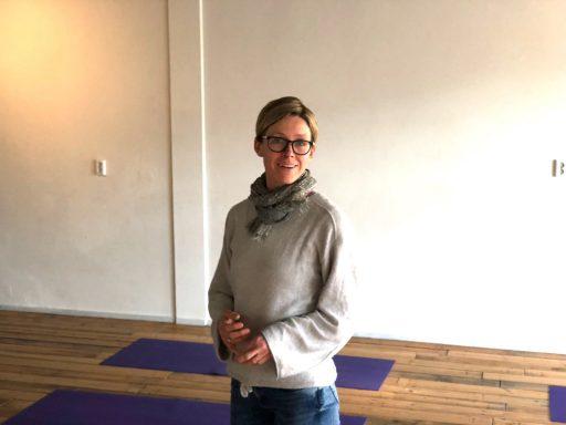 Afbeelding #001 voor het verhaal Over Jan Terlouw in De Spot en een Kledingbeurs bij Flow'er Live Yoga