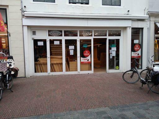 Afbeelding #000 voor het verhaal Pop-up Bookstore heropent in de voormalige Verspassage in de Langeviele