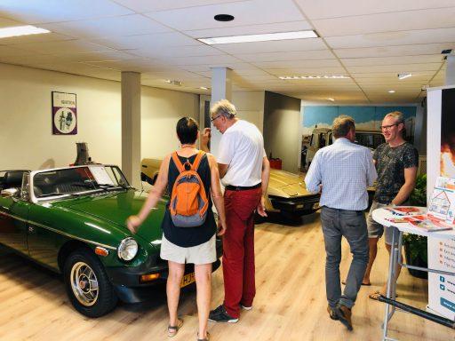 Afbeelding #003 voor het verhaal Pop-up oldtimershop Langeviele officieel geopend