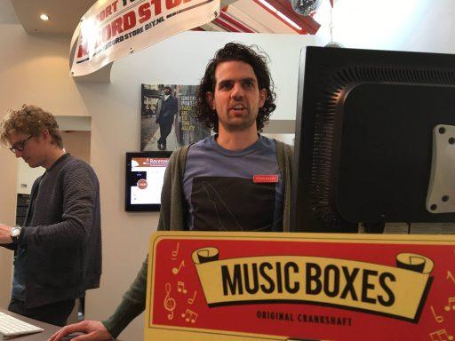 Afbeelding #000 voor het verhaal Record Store Day 2016: Bart is De Stad