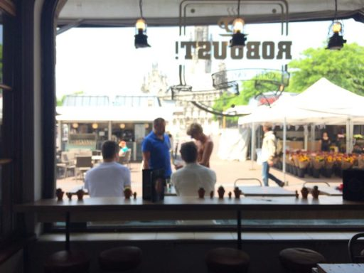 Afbeelding #001 voor het verhaal Robuust geopend aan de Markt in Middelburg