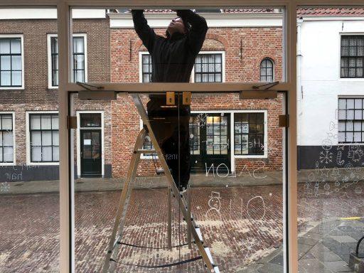 Afbeelding #001 voor het verhaal Salon 0118 en Barbier Ellis heropenen aan het Domburgs Schuitvlot