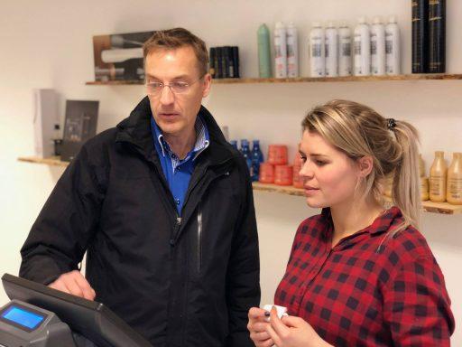 Afbeelding #002 voor het verhaal Salon 0118 en Barbier Ellis heropenen aan het Domburgs Schuitvlot