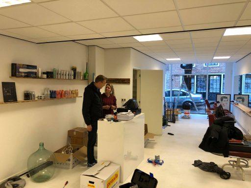 Afbeelding #003 voor het verhaal Salon 0118 en Barbier Ellis heropenen aan het Domburgs Schuitvlot