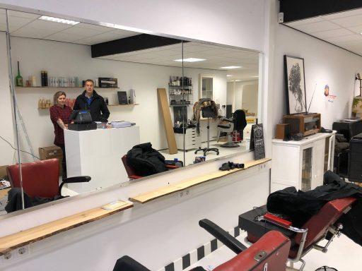 Afbeelding #004 voor het verhaal Salon 0118 en Barbier Ellis heropenen aan het Domburgs Schuitvlot