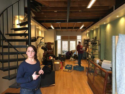 Afbeelding #001 voor het verhaal Salon Dignity vanaf vandaag geopend