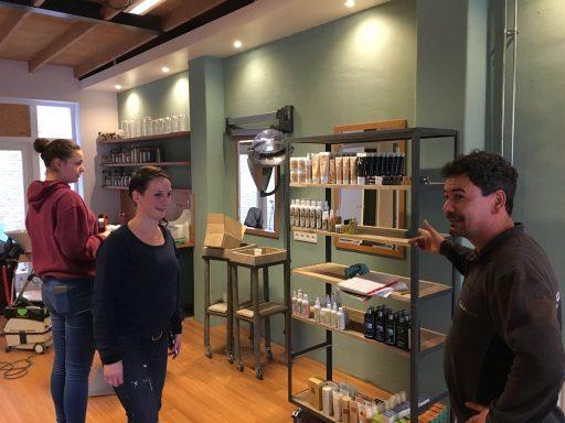 Afbeelding #002 voor het verhaal Salon Dignity vanaf vandaag geopend