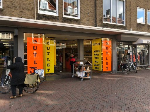 Afbeelding #001 voor het verhaal Schrikken: van der Sloot Schoenmode Middelburg stopt ermee