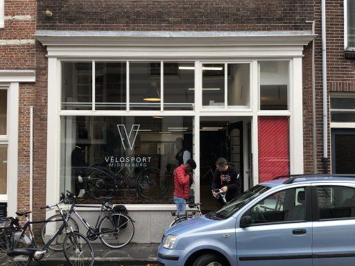 Afbeelding #000 voor het verhaal Sportfietsspecialist Vélosport heropend in de Brakstraat in Middelburg