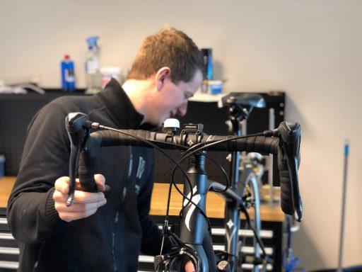 Afbeelding #000 voor het verhaal Sportfietsspecialist Vélosport officieel geopend in Middelburg