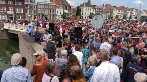 Afbeelding #000 voor het verhaal Stadsfeesten Middelburg 2019: drukte op de Koningsbrug