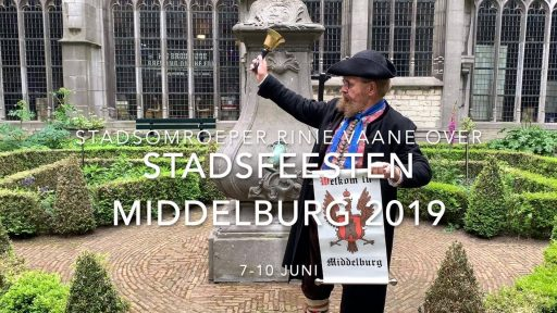 Afbeelding #000 voor het verhaal Stadsomroeper Rinie Vaane over Stadsfeesten Middelburg 2019