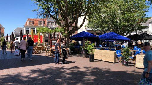 Afbeelding #003 voor het verhaal Stoeien met de proefopstelling van de zomerterrassen op de Markt e.o.