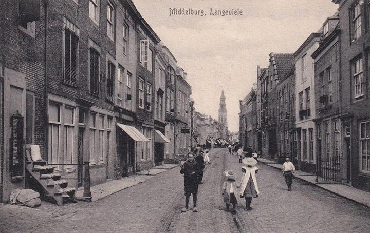 Afbeelding #000 voor het verhaal Te huur aangeboden: winkelruimte in de Langeviele in Middelburg