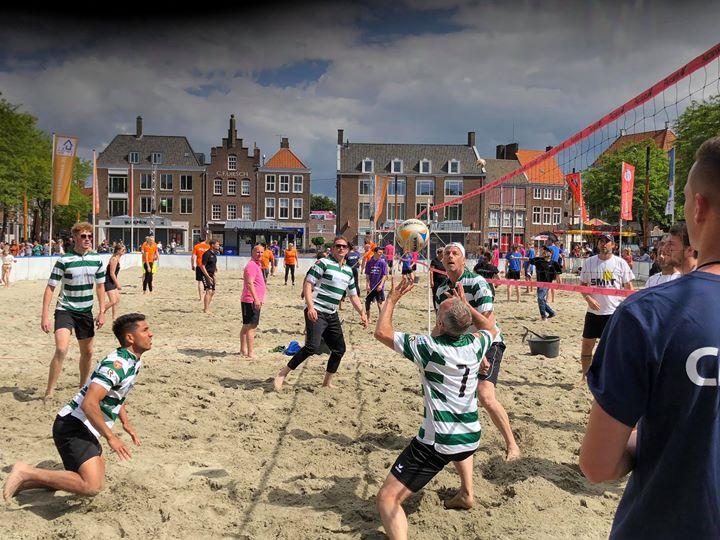 Afbeelding #000 voor het verhaal Team Zeelandia Middelburg wint Beachvolleybaltoernooi 2019