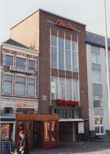 Afbeelding #003 voor het verhaal Uit de geschiedenis van Café Tympaan in Middelburg, 1993-2002