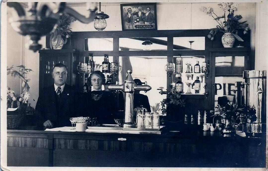 Afbeelding #000 voor het verhaal Uit de Middelburgse geschiedenis: het café van Piet Vogel