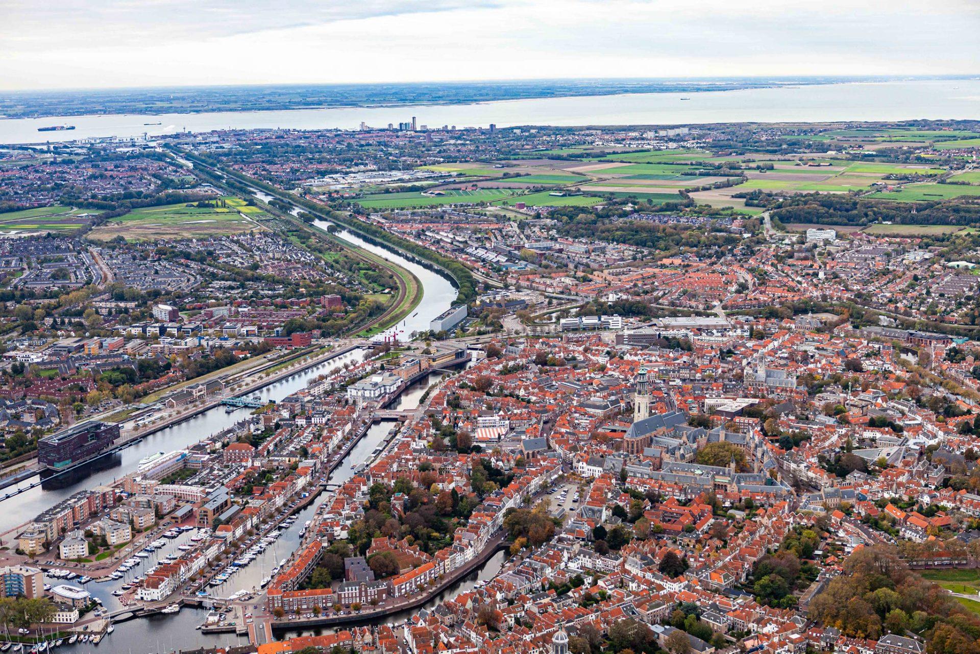 Afbeelding #000 voor het verhaal Up from the skies: Middelburg