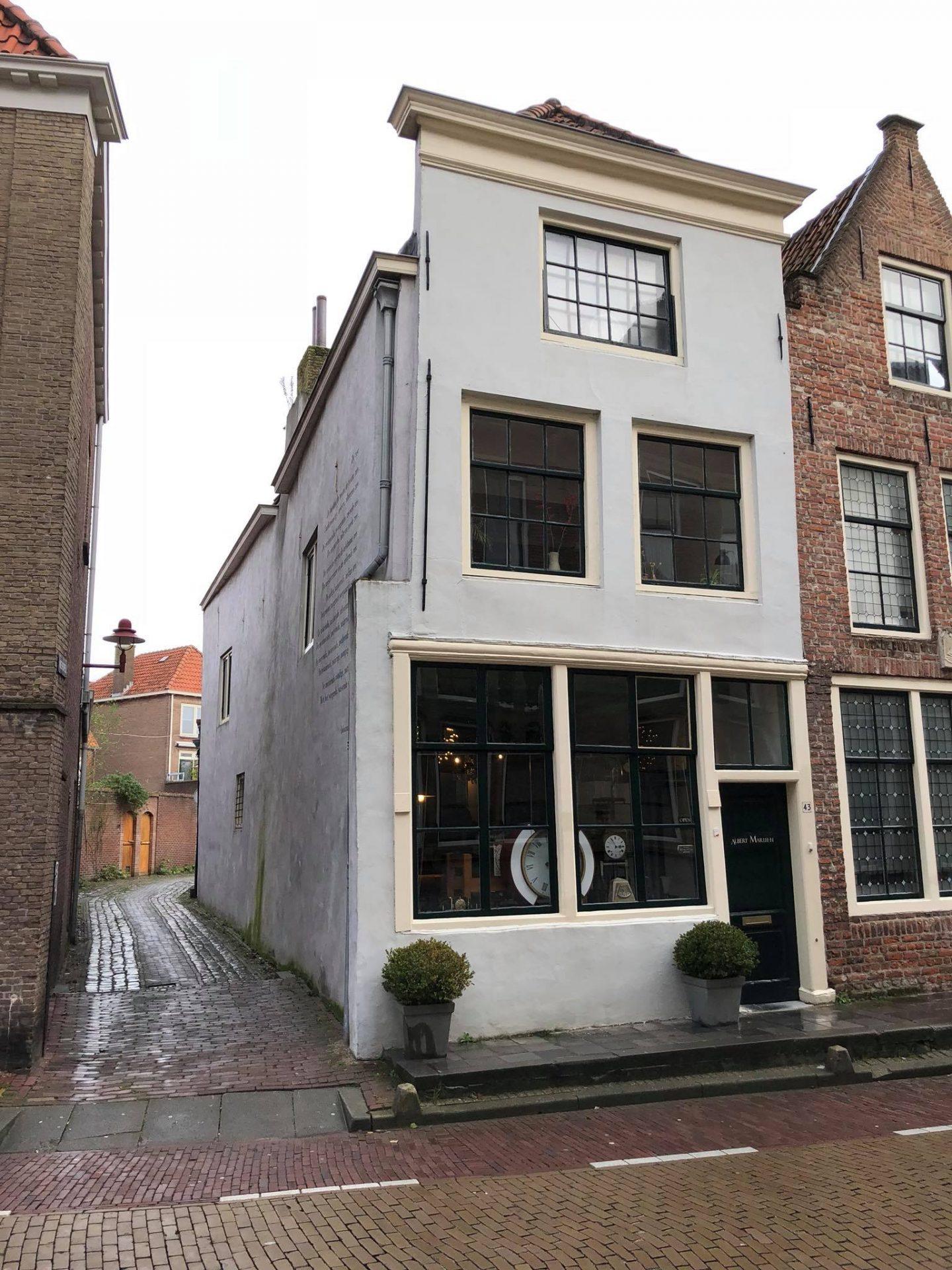 Afbeelding #000 voor het verhaal Uurwerkmakerij Albert de Goeij van Nieuwstraat naar Gortstraat