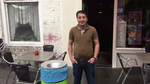 Afbeelding #000 voor het verhaal Video: Yucel Yurdem over het afvalprobleem van de Vlasmarkt