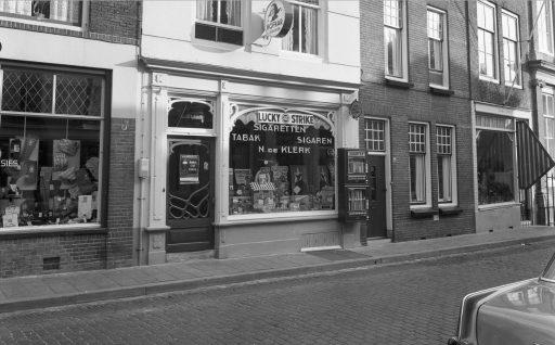 Afbeelding #000 voor het verhaal Vlasmarkt Middelburg, begin jaren 60, in 26 foto's