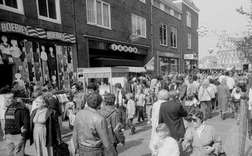 Afbeelding #003 voor het verhaal Wandelen door de Lange Delft in Middelburg, 1970-1988
