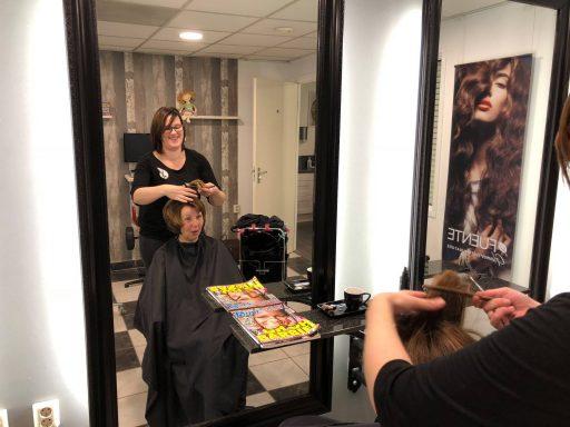 Afbeelding #002 voor het verhaal Welkom bij de VOM, Perfect Hairstyling!