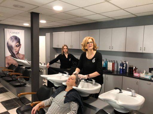 Afbeelding #004 voor het verhaal Welkom bij de VOM, Perfect Hairstyling!