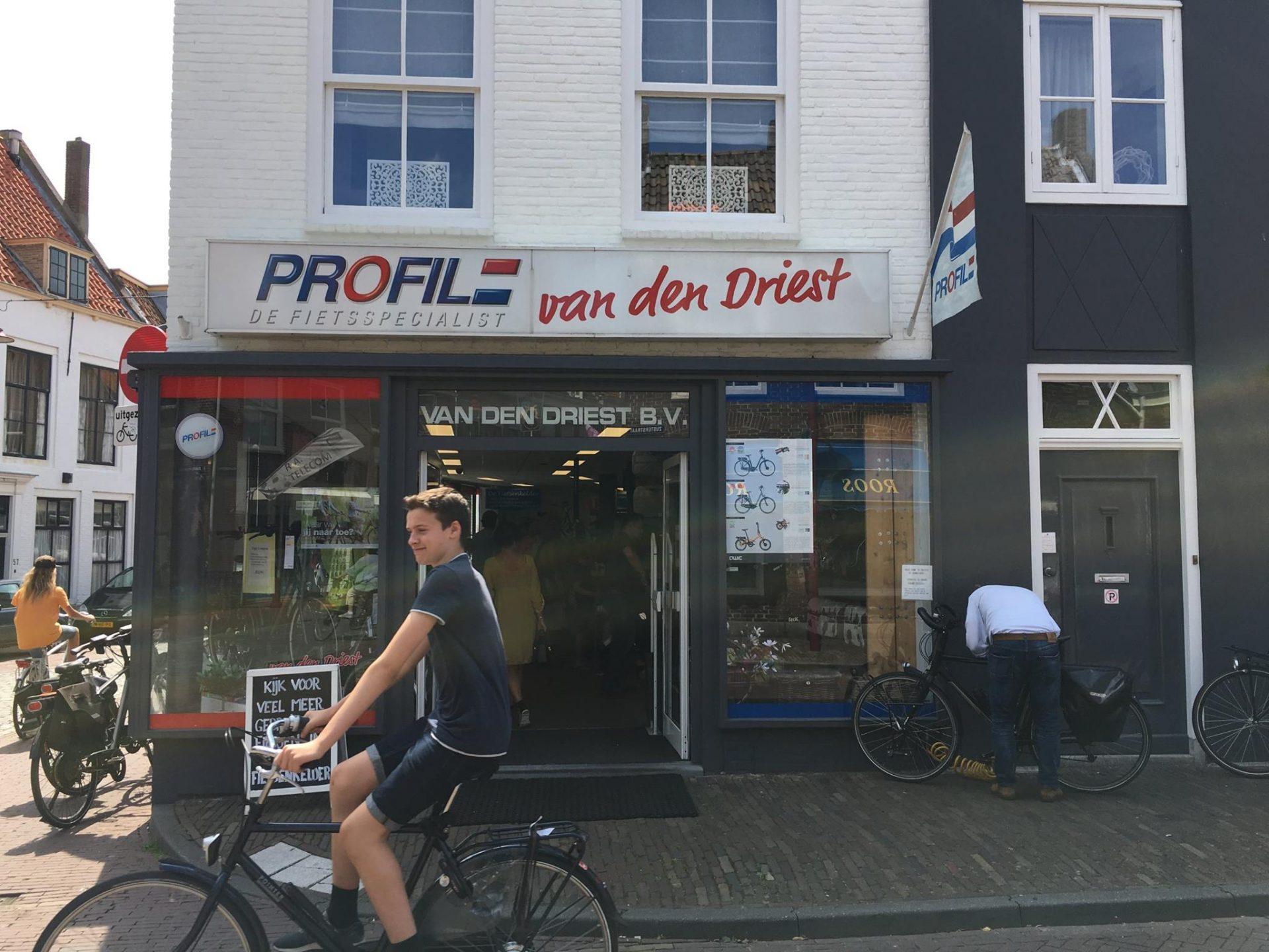 Afbeelding #000 voor het verhaal Welkom bij de VOM, Profile van den Driest!