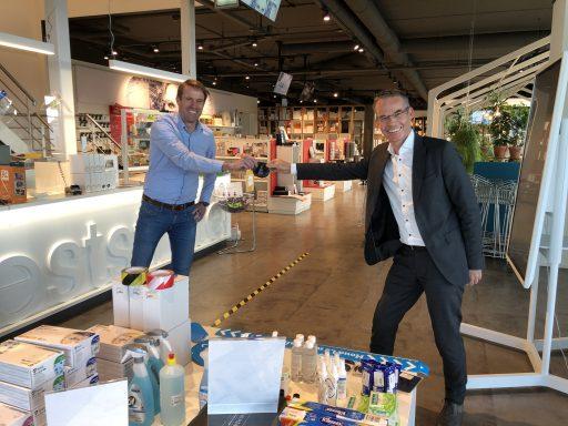Afbeelding #000 voor het verhaal Weststrate overhandigt eerste Middelburgs Beursje
